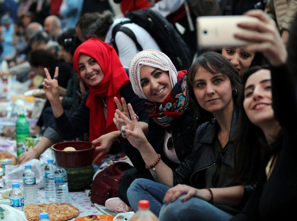 Meriahnya Suasana Ramadan di Turki