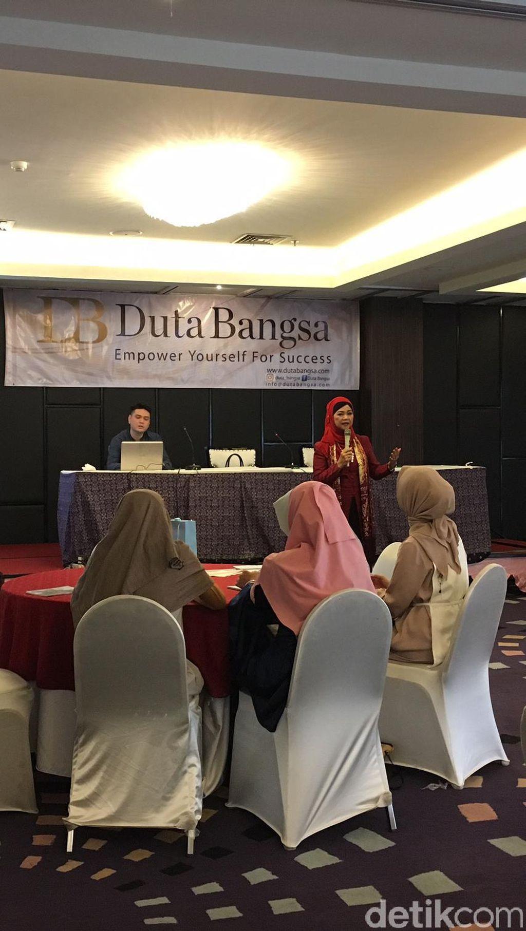 Duta Bangsa Berbagi Ilmu Public Speaking dengan Finalis Sunsilk Hijab Hunt