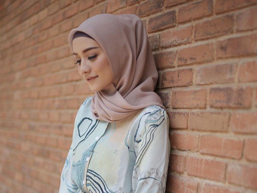Tips Padu Padan Jilbab Nude Ala Selebgram