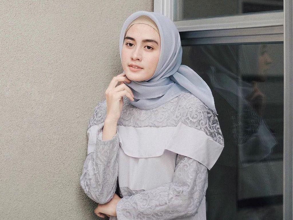 Foto: 10 Penampilan Selebgram dengan Organza Hijab yang Lagi Tren