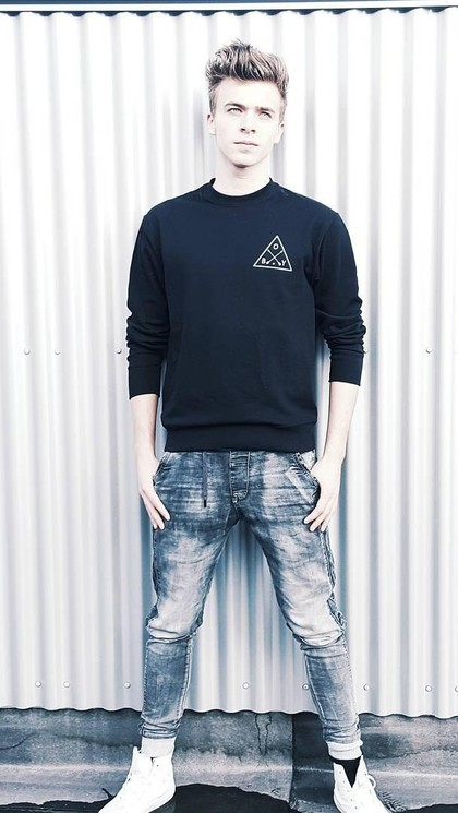 Foto: 10 Fakta Boy Roeles, Security Tampan di Konser Justin Bieber 1