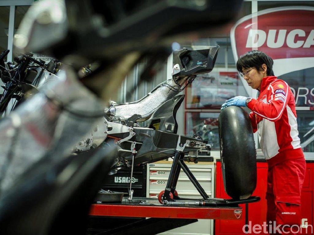 Komparasi Teknologi Mobil dan Motor Sport