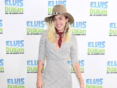 Miley Cyrus Berhenti Tampil Vulgar, Alasannya Mengejutkan