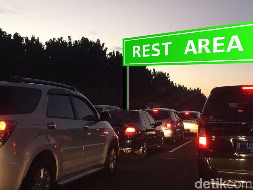 Lalin di Tol Cikampek-Jakarta Masih Macet, Contraflow Ditiadakan