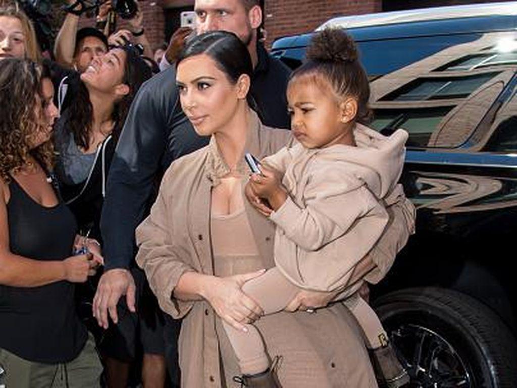 Idap Placenta Accreta, Kim Kardashian Sewa Rahim untuk Anak Ketiga
