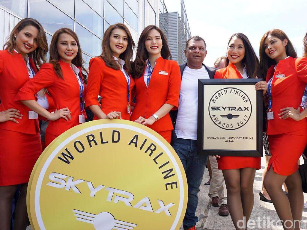Pramugari Cantik AirAsia di Skytrax 2017 Paris