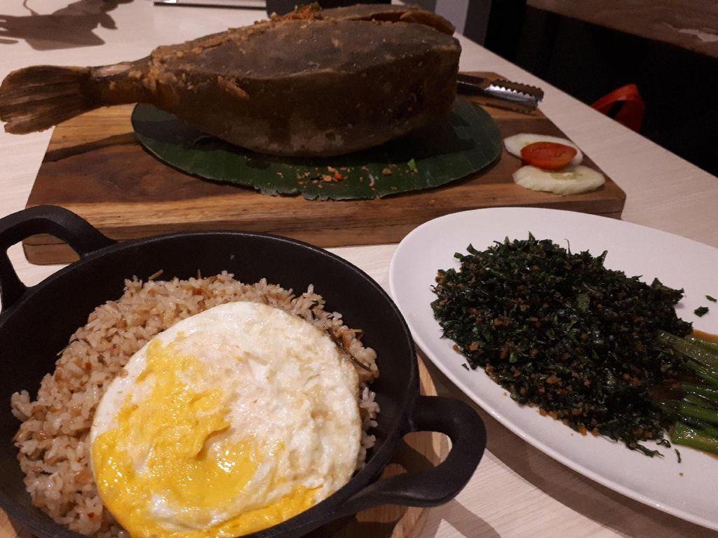 Aroma Sedap: Mencicip Ikan Kudu-kudu Bawang Putih dan Nasi Goreng Bobongkot yang Nikmat