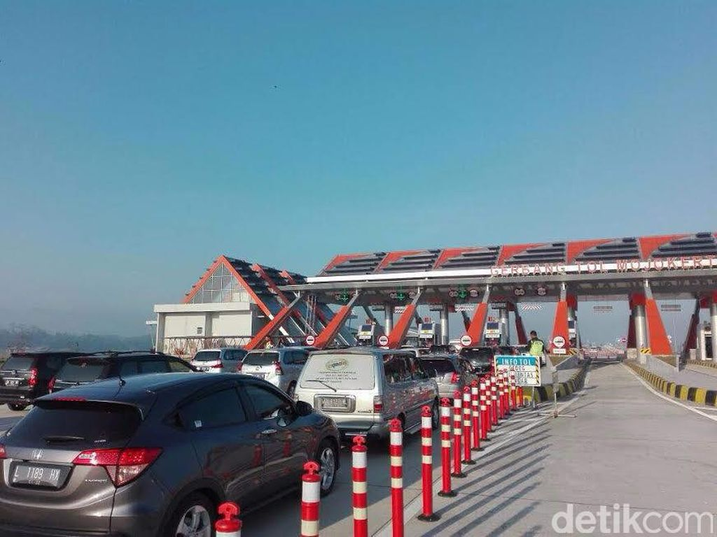 Tol Mojokerto-Kertosono Tekan 40% Volume Kendaraan di Jalur Nasional