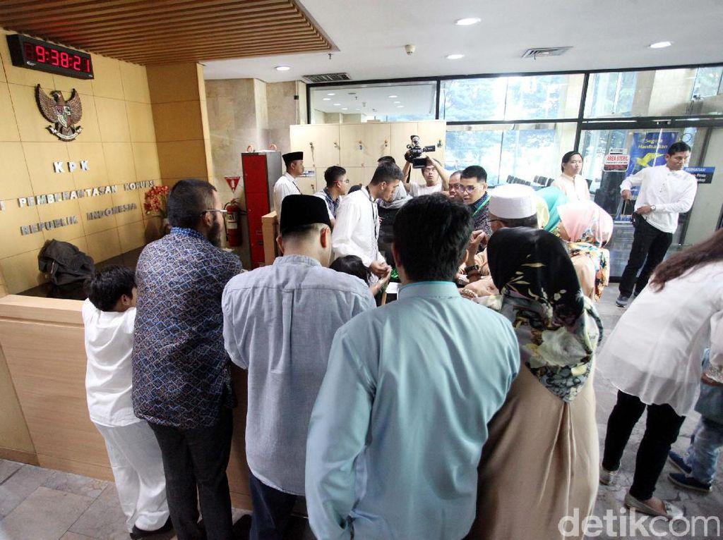 Lebaran, Keluarga Tahanan Kunjungi KPK