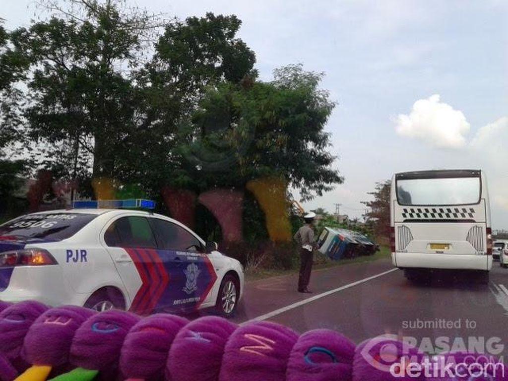 Imbas Kecelakaan Bus di KM 54, Tol Jakarta-Cikampek Macet 3 Km