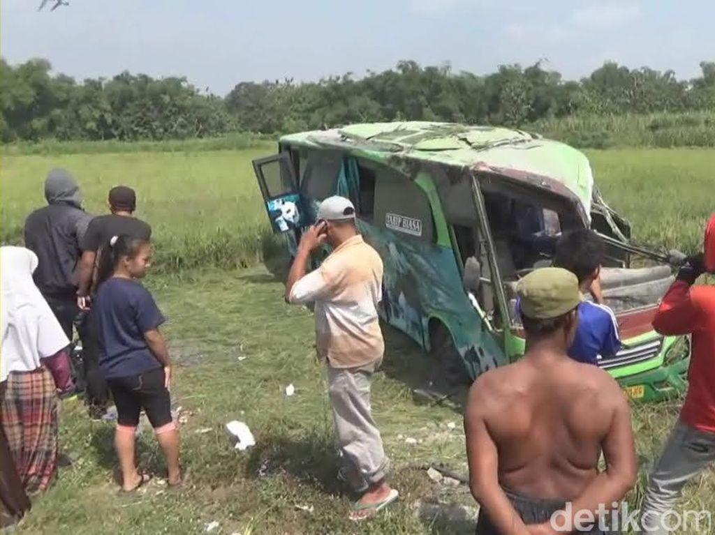Korban Bus Restu Terguling 50 Orang, Polisi: 1 Penumpang Meninggal