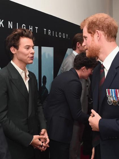 Ketika Pangeran Harry Bertemu dengan Harry Styles