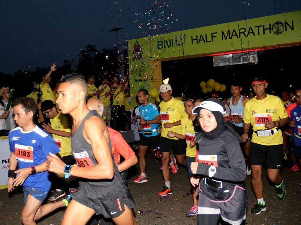 BNI UI Half Marathon 2017 dengan jarak tempuh lari 5K, 10K, dan 21K yang diikuti sekitar 3.000 peserta. Dok. BNI.