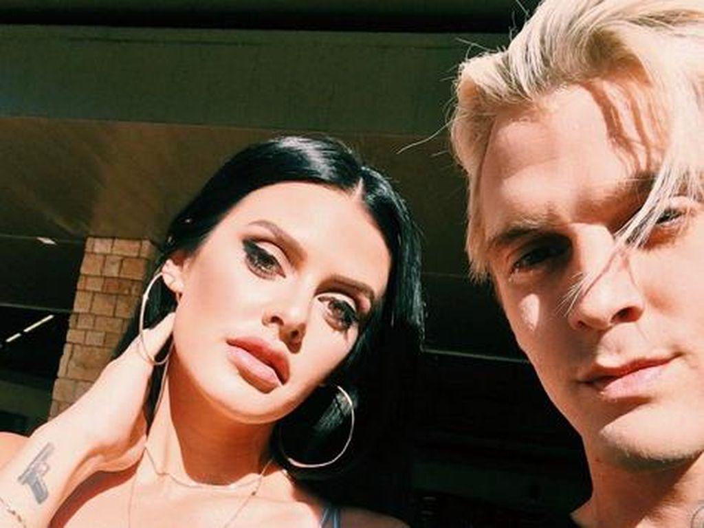 Ia ditangkap saat bersama sang kekasih, Madison Parker. (Dok. Instagram/aaroncarter)