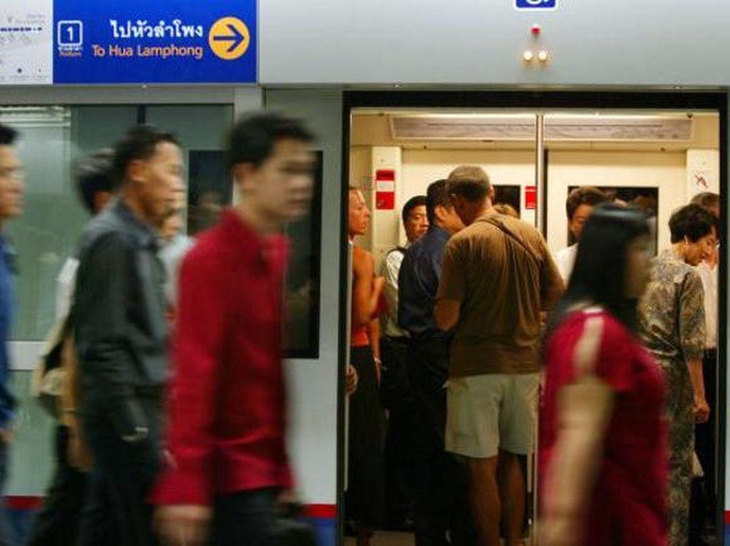 MRT di Bangkok sudah beroperasi sejak sekitar sepuluh tahun lampau.Foto: Getty Images