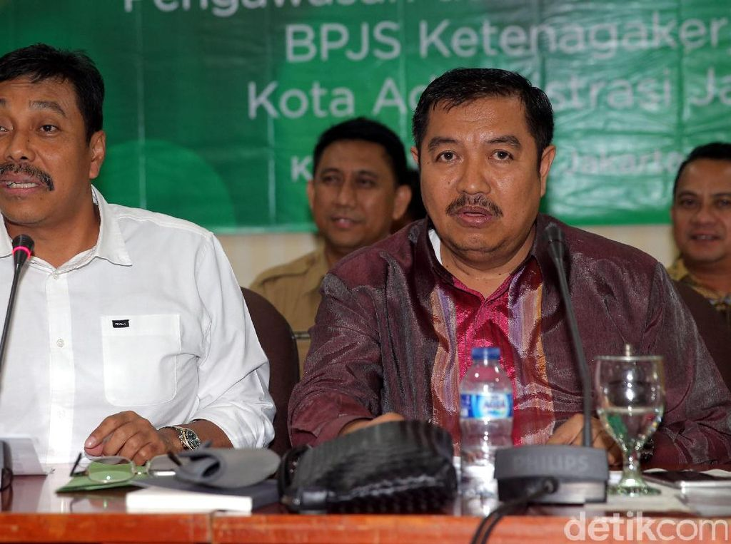 BPJS Ketenagakerjaan berkoordinasi dengan Wali Kota Jakarta Selatan dalam mendata perusahaan yang belum mendaftarkan pekerjanya di BPJS Ketenagakerjaan, untuk dibubuhkan label berupa stiker pada tempat usahanya, selanjutnya akan diproses untuk mendapatkan sanksi.