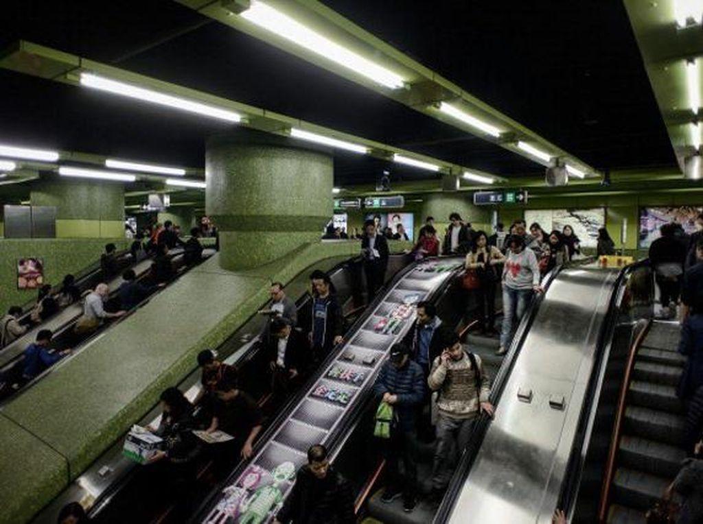 Kalau ini adalah stasiun MRT besar di Hong Kong.Foto: Getty Images