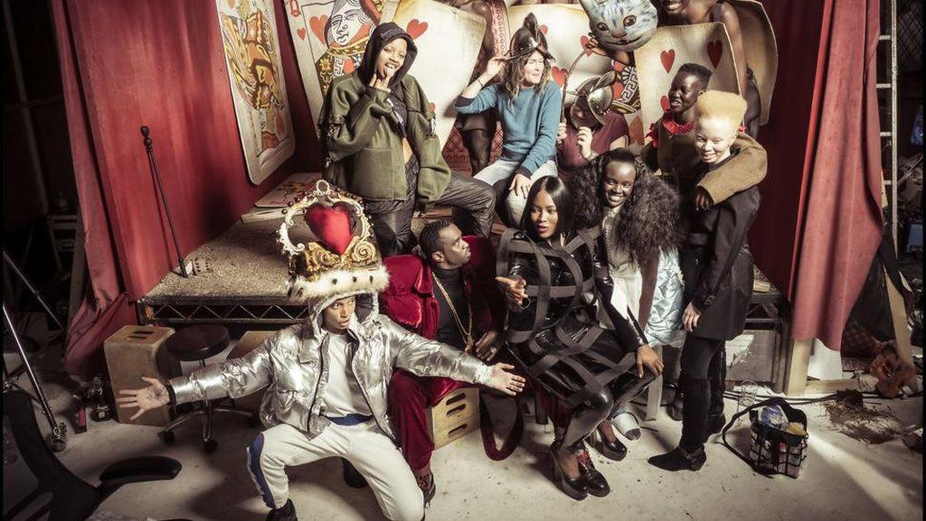 Fotografer Gambarkan Alice in Wonderland dengan Model Berkulit Hitam