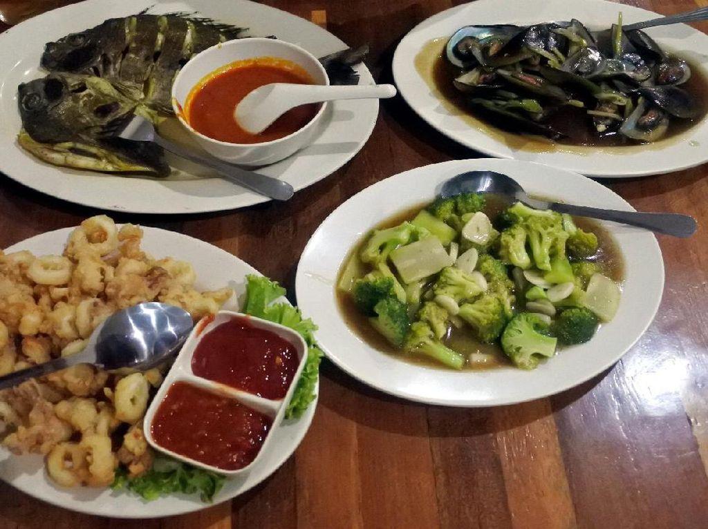 Mari ke Cilincing, Makan Seafood Segar dan Napak Tilas Budaya Hindu!