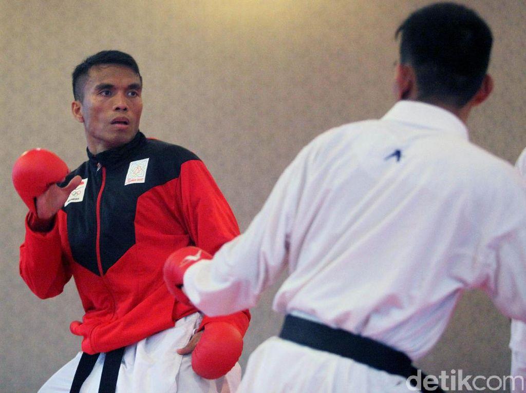 Meski Serba Sulit, Atlet Karate Terus Asah Kemampuan