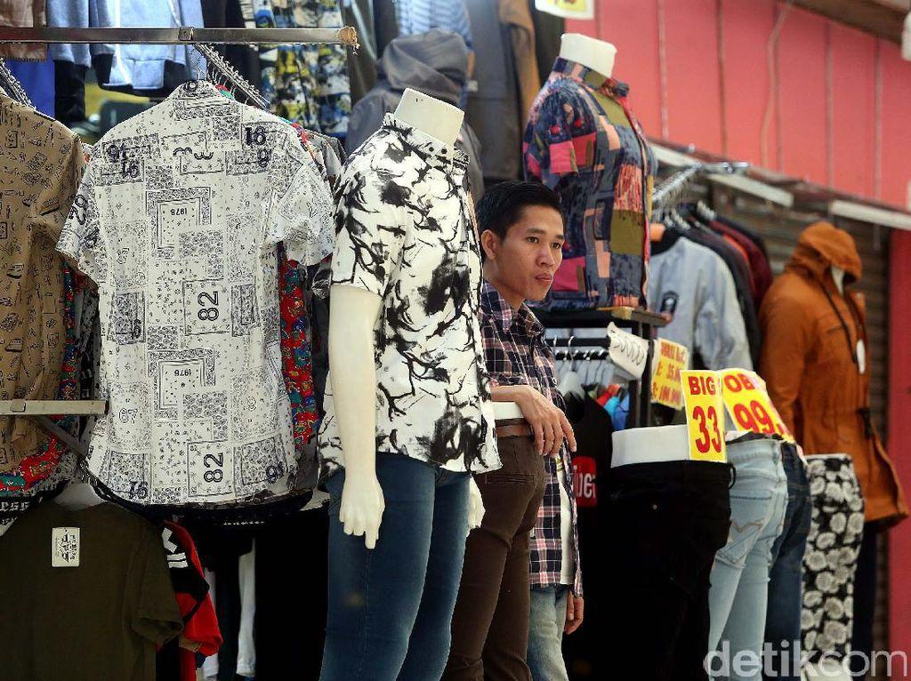 Foto: Sepi Pembeli, Kejayaan Blok M Mal Menurun