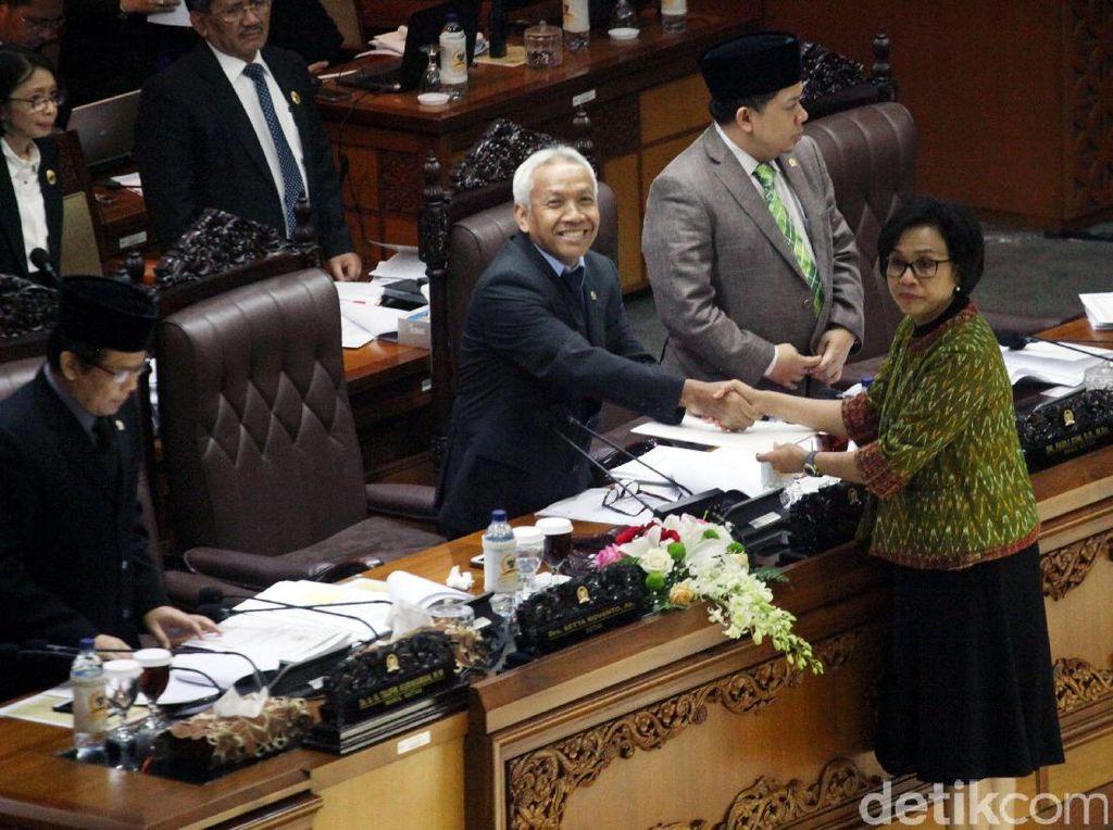 DPR Setuju Aturan Pajak Intip Rekening Jadi UU