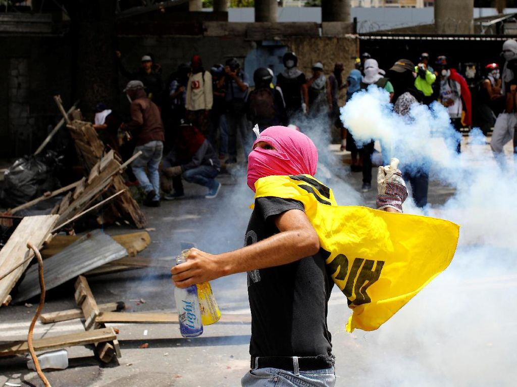 Demo Anti-Maduro Kembali Pecah