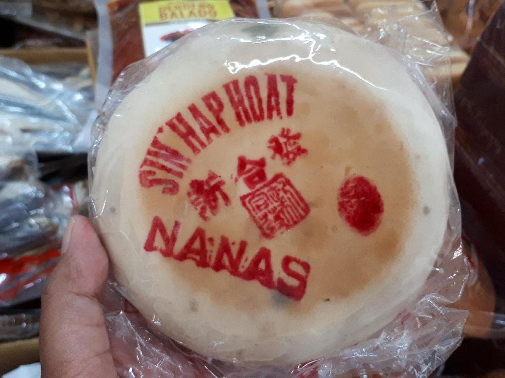 Ada juga kue bulan Sin Hap Hoat yang sudah diproduksi sejak 1909. Pilihan rasanya beragam seperti nanas, keju, durian dan cempedak. Foto: dok. detikFood