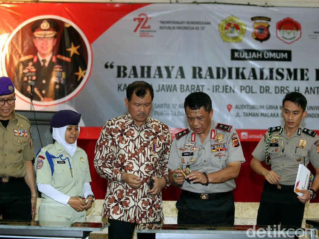 Kegiatan kuliah umum dan kegiatan yang dilakukan oleh Kapolda jabar ini menjadi rangkain besar kampus Unsada memeriahkan HUT Kemerdekaan Indonesia ke-72.