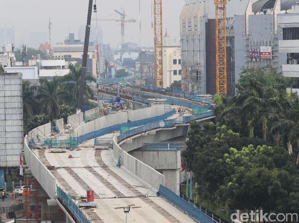 Pengerjaan proyek Mass Rapid Transit (MRT) Fase I dari Lebak Bulus ke Bundaran Hotel Indonesia (HI) sepanjang 15,7 km terus dikebut oleh PT MRT Jakarta.