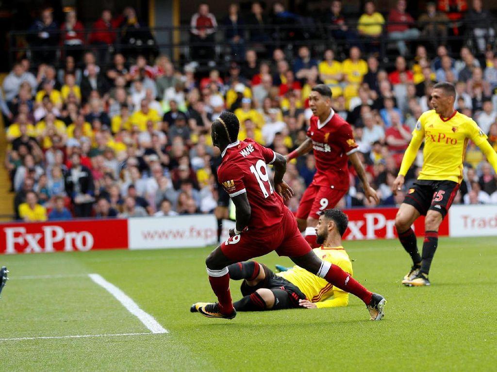 Sadio Mane akhirnya menyamakan skor untuk Liverpool jadi 2-2 di menit ke-29 (Foto: REUTERS/Darren Staples)