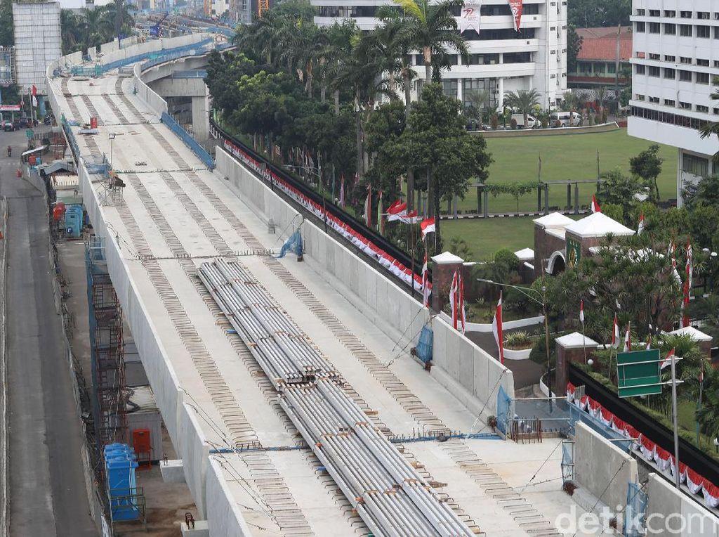Pembangunan proyek MRT Jakarta Fase I terus mengalami kemajuan. Hingga 30 Juni 2017, pembangunan proyek sudah mencapai 74,89 persen, dengan rincian 62,42 persen untuk pekerjaan depo dan struktur layang dan 87,58 persen untuk pekerjaan struktur bawah tanah.