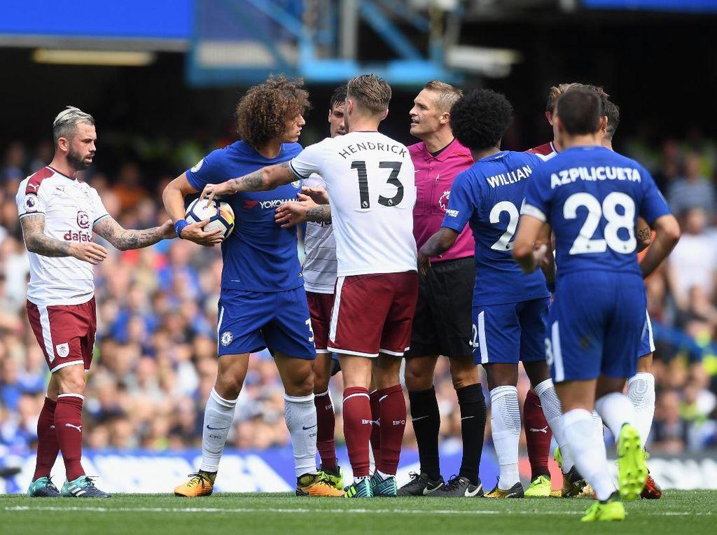 Celakanya, Chelsea meraih hasil negatif itu di hadapan publik sendiri, di Stamford Bridge.(Michael Regan/Getty Images)