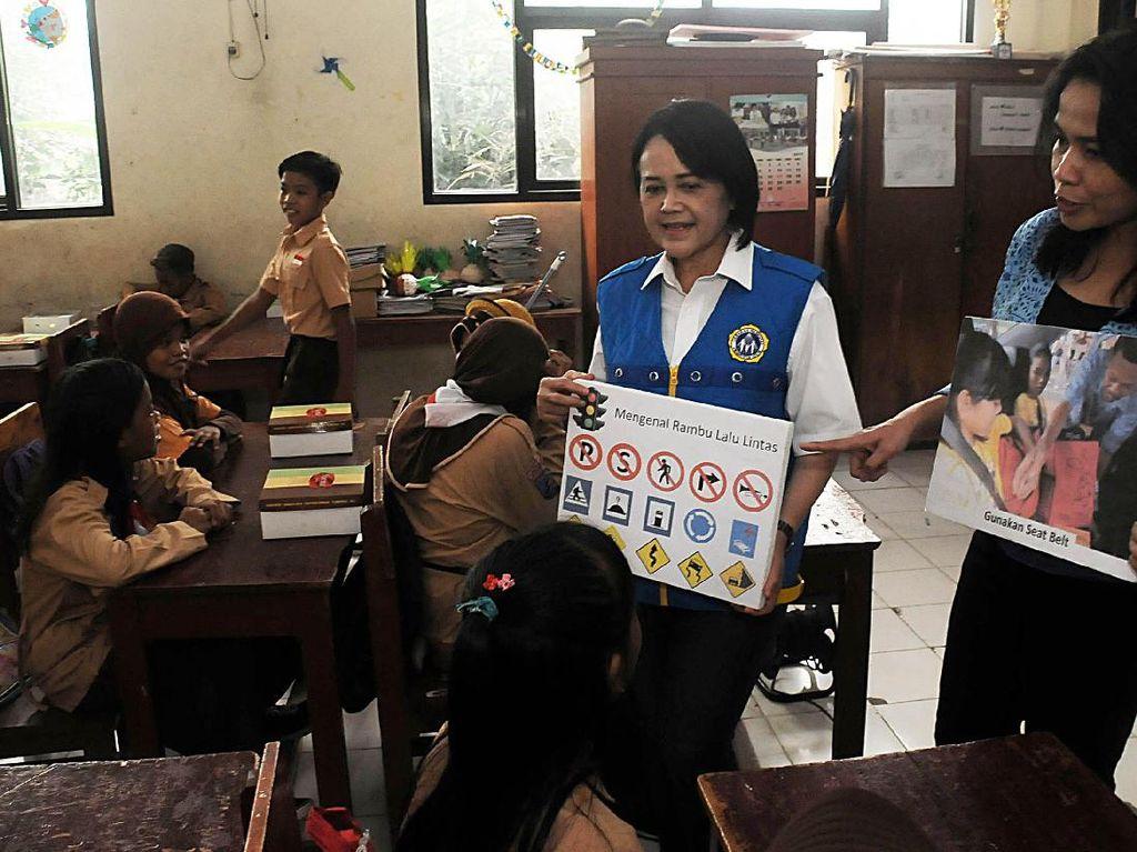 Murid SD Belajar Keselamatan Berlalulintas