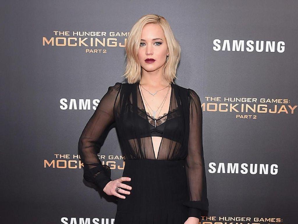 Seksi dan Elegan, 10 Gaya Jennifer Lawrence di Karpet Merah