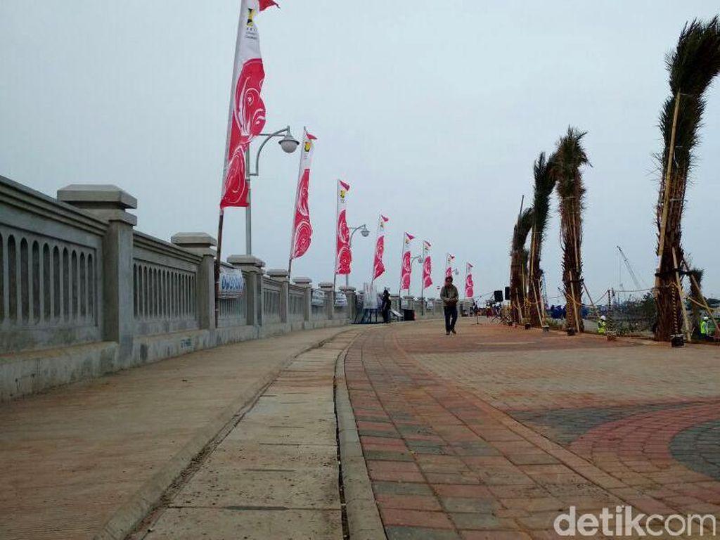 Progres Pembangunan Tanggul Laut di Kalibaru Mencapai 57%