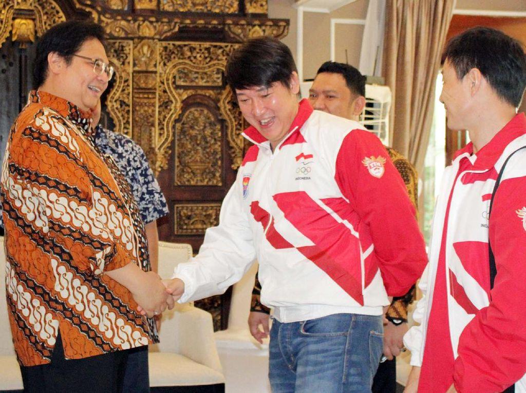 Menperin Airlangga Lepas Kontingen Wushu Menuju Sea Games 2017