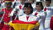 5 Fakta Fariza Putri Salsabila, Pembawa Baki Bendera Pusaka