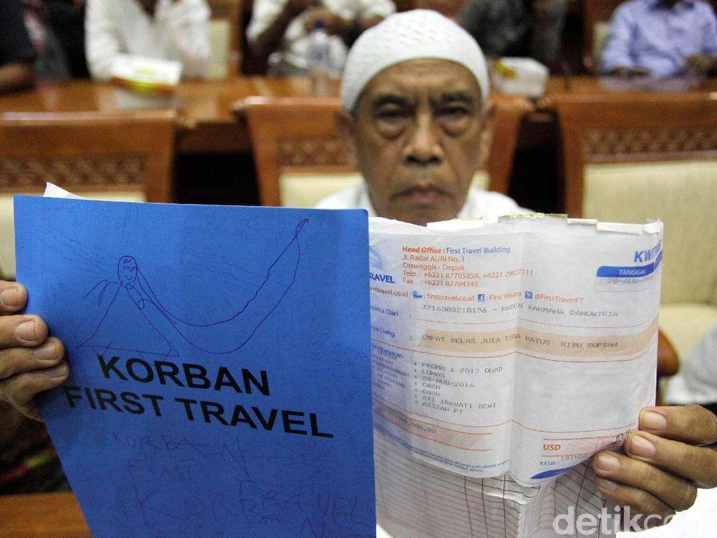 Foto: Jemaah Korban First Travel Ngadu ke DPR