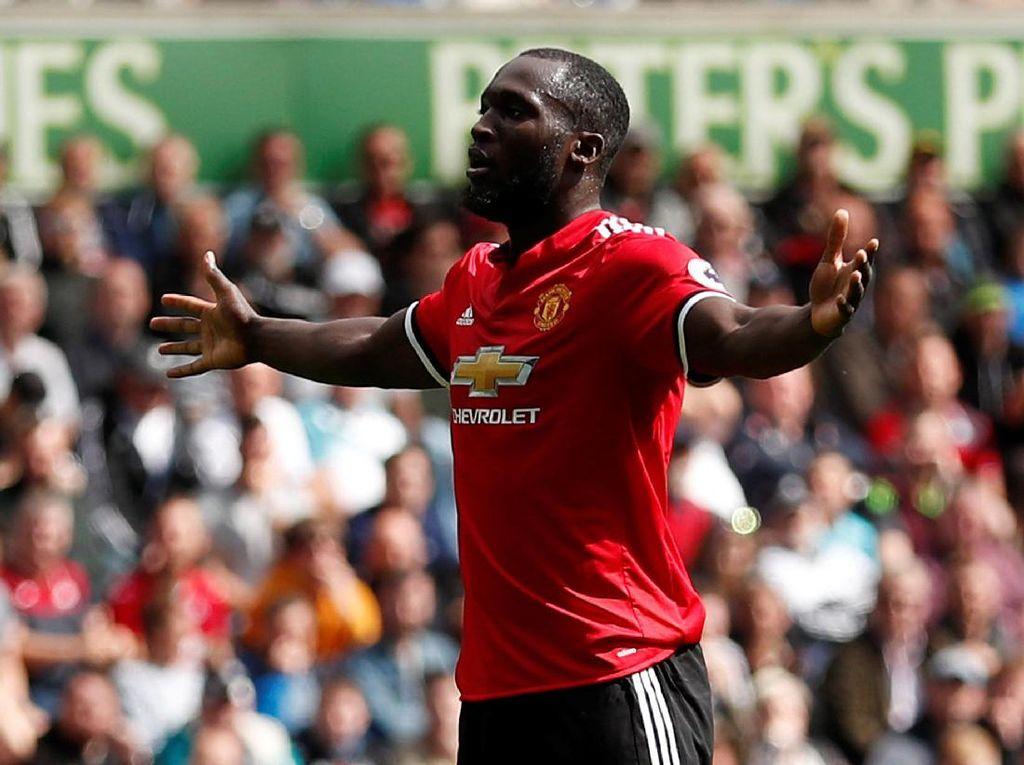 Romelu Lukaku kini jadi andalan baru Manchester United di lini depan. Musim ini Lukaku sudah bikin empat gol untuk Setan Merah (Reuters/Andrew Boyers)