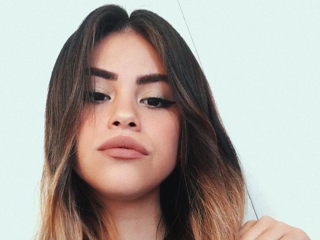 Viral, Gadis Cantik Asal Meksiko yang Seperti Kembaran Selena Gomez