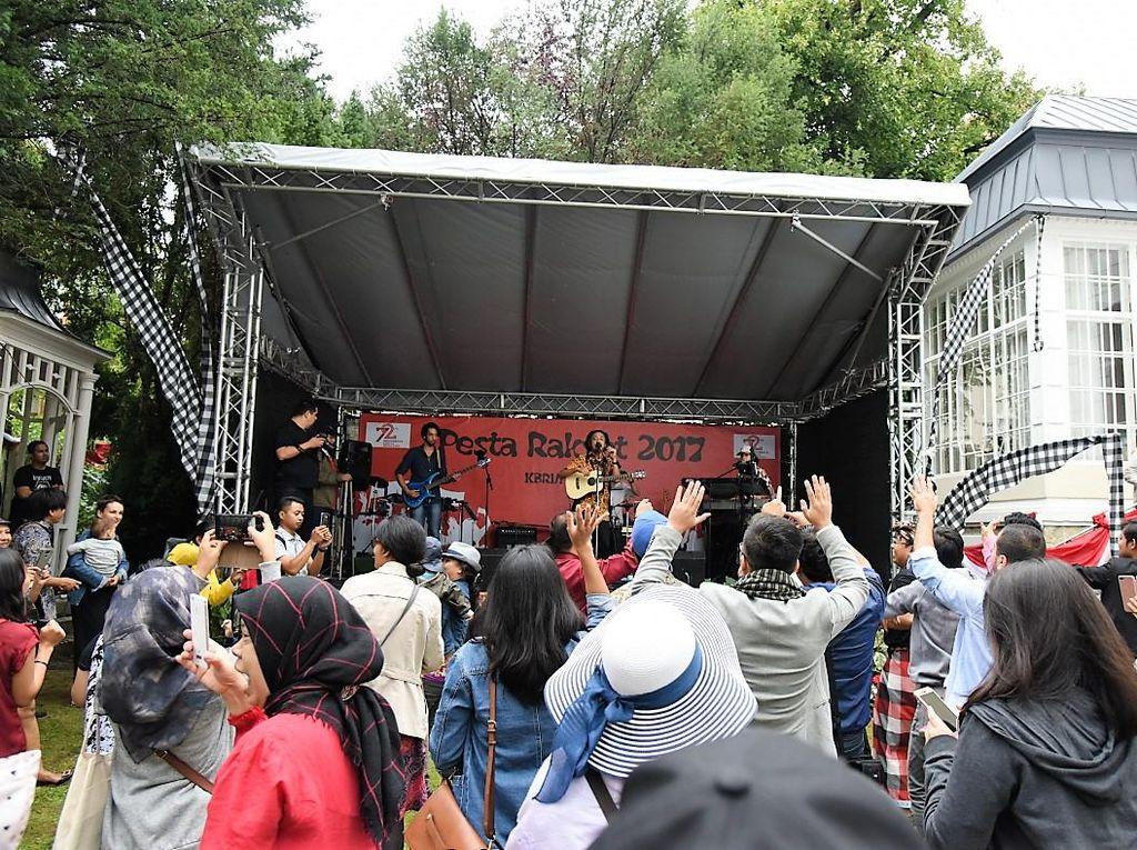 Dari Dangdutan Hingga Reggae, KBRI Austria Gelar Pesta Rakyat
