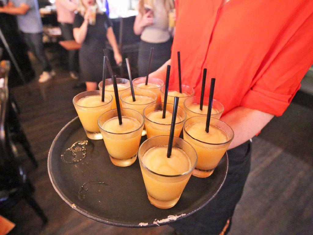 Salah satu cocktail yang disediakan The Spotted Cheetah Restaurant. Yang ini terbuat dari tequila, Aperol, jus jeruk dan jus jeruk nipis.Foto: Istimewa