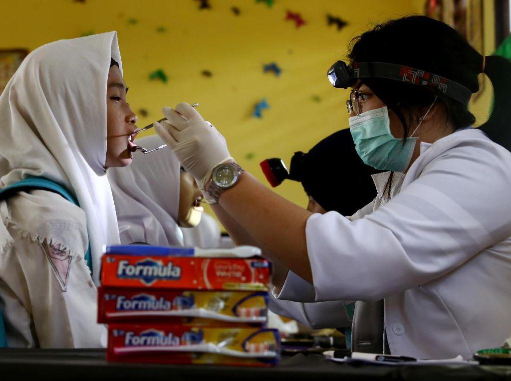 Peduli Kesehatan Gigi dan Mulut untuk Pelajar di Kalbar
