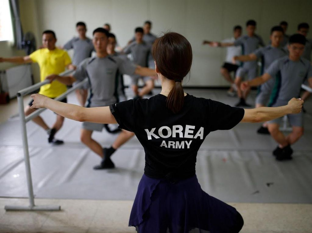 Obat Stress Tentara Korea Selatan: Menari Balet