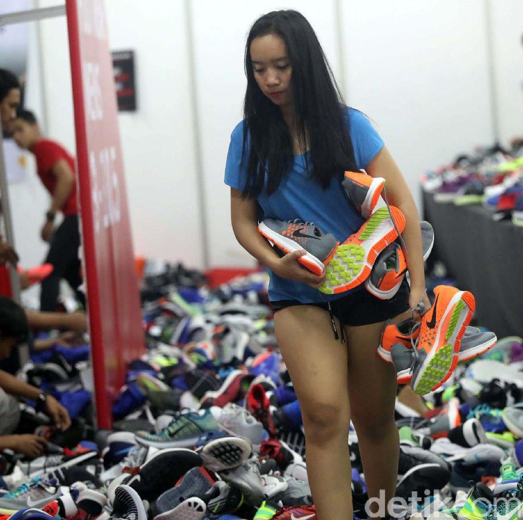 Alasan Psikologis Diskon Sepatu Seperti di Grand Indonesia Selalu Diburu