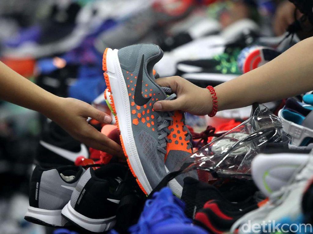 Begini Suasana di Arena Diskon Nike di GI