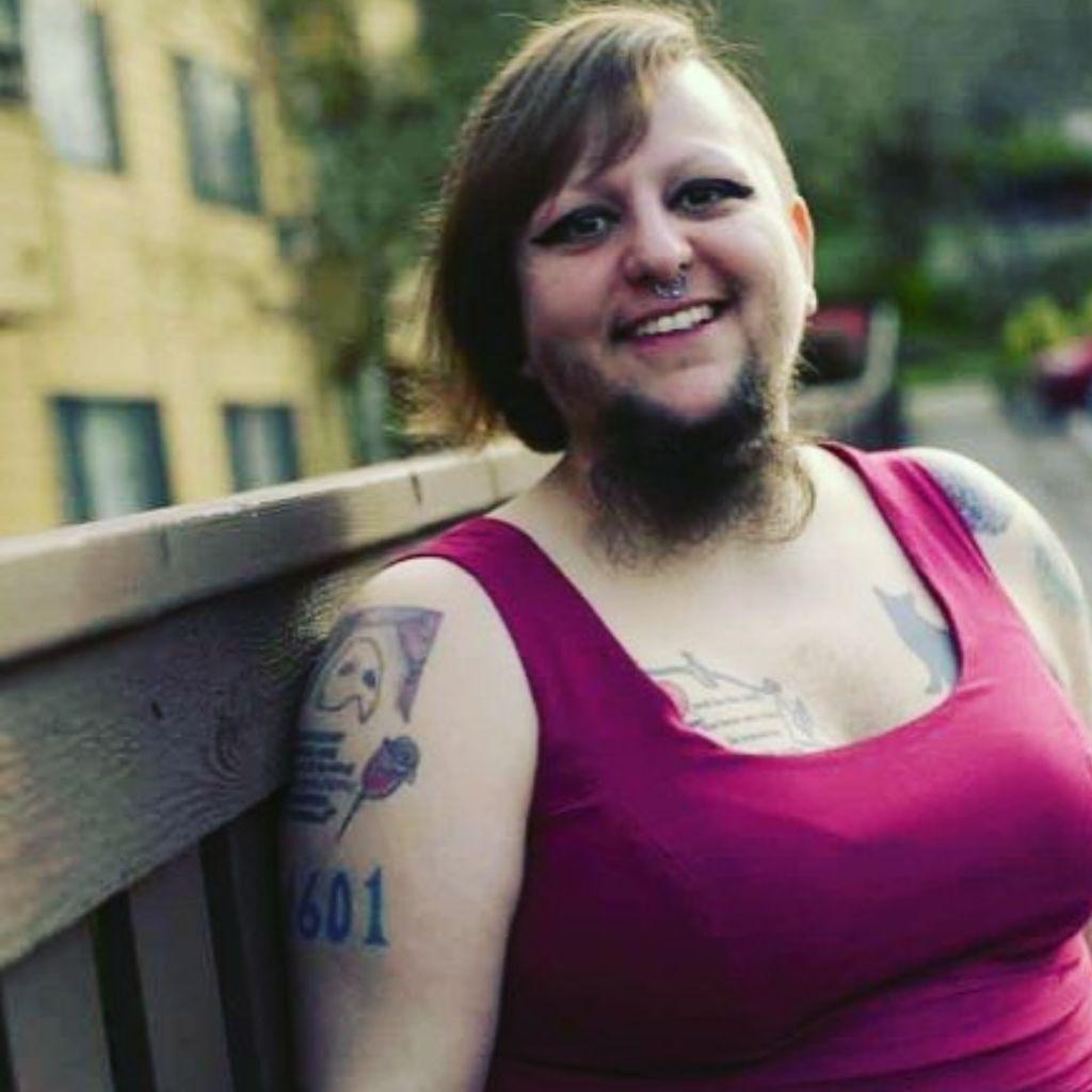 Foto: Idap Kondisi PCOS, Wanita Ini Bangga Dengan Jenggotnya