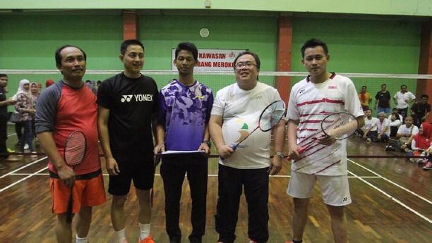 Bambang Brodjonegoro Adu Tepuk Bulu dengan Ricky Subagja dan Candra Wijaya