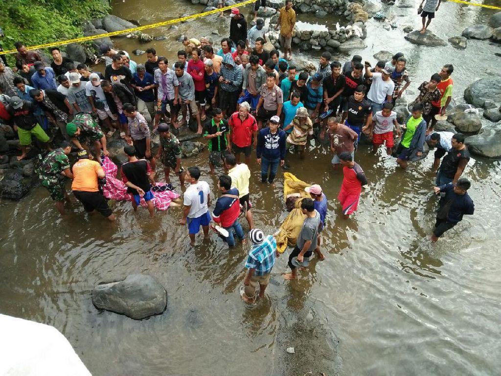 Jenazah Husni dan Zakiah kemudian dibuang dari atas jembatan ke Sungai Klawing, Purbalingga. (Foto: Dok. Polsek Bobotsari)